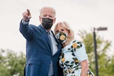 «В гостях у лилипутов»: новое фото Джо и Джилл Байден вызвало недоумение в сети