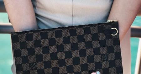 Что у вас в сумочке? Топ−3 вещи, которые стоит положить в клатч