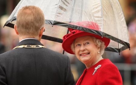 Елизавета II провела редкую личную встречу в Виндзорском замке