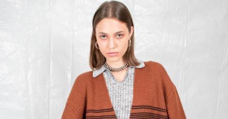 Сумки-тоуты и легкие косынки: как носить модные аксессуары